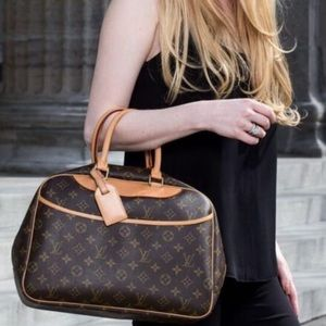 Beautiful ✨ Deauville Handbag ✨ by Louis Vuitton